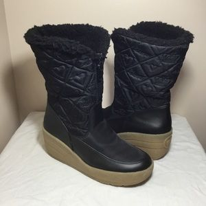 Juicy Couture black winter wedge boots size 7